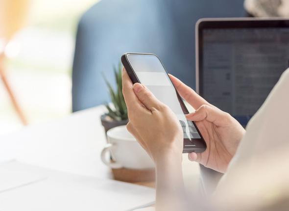 Im Business mit Smartphone