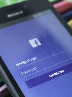 Facebook am Handy