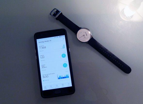 Handy und Uhr