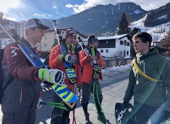 Elias mit seinem Team